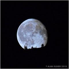 Lever de Lune sur les crêtes