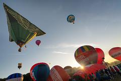 Mass Ascent (Paul C Stokes) Tags: bristol international balloon fiesta festival 2018 40th year anniversary court ashton hot air mass launch ascent balloons sony 1635 zeiss