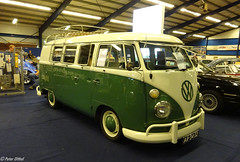 1964 Volkswagen Transporter kombi (peterolthof) Tags: oldtimerbeurs leek peterolthof ar3452