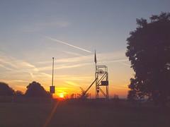 FÖRDERTURM P8196459 (hans 1960) Tags: landschaft landscape nnature natur trees sun sunrise sonne sonnenaufgang sol soleil atardecer himmel sky licht light sunbeans förderturm home stille ruhe morning bergbau skulptur germany wiese