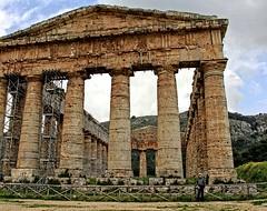 Vito in front of Temple in Segesta copy (Vito Amorelli) Tags: segesta sicily dorictemple greektheater