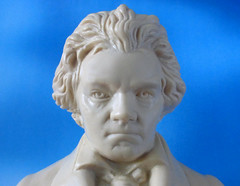 Symmetrical Composer (arbyreed) Tags: arbyreed macromondays linesymmetry statuette beethoven composer close closeup face plastic plasticbuststatuette