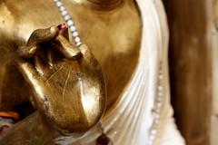 L'amour et la gloire (Et si, et si ...) Tags: main or boudhisme statue boutique détail bienêtre httpsfrfrfacebookcomlesclesdubienetreanduze