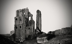 Corfe Castle (Zara.B) Tags: corfe castle dorset uk bw monochrome blackandwhite