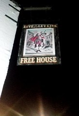 Sign at the Live and Let Live (James Bowe) Tags: 2018 pubs cambridge liveandletlive pubsigns signs