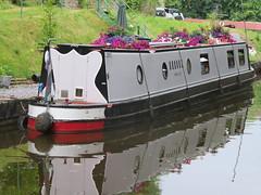 UK - Wales - Denbighshire - Near Froncysyllte - Narrow boat on Llangollen Canal (julesfoto3) Tags: uk wales centrallondonoutdoorgroup clog denbighshire froncysyllte deevalley shropshireunioncanal llangollencanal narrowboat