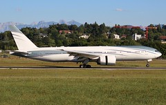 Boeing 777-2KQ(LR)(VIP). VP-CAL. Aviation Link Company. (Themarcogoon49) Tags: boeing b777 bizjet aircraft landing gva lsgg cointrin airport planespotting switzerland avgeek