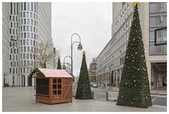 Kantstraße (epha) Tags: berlin charlottenburg citywest upperwest weihnachten weihnachtsbaum weihnachtskarte