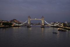 blau gemacht in London (wolf238) Tags: blauestunde abends abendstimmung towerbridge cityoflondon brücke themse city
