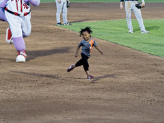 Big Lug and the Real Fast Kid (joeldinda) Tags: midwestleague leagues lansinglugnuts baseball lansing michigan ballyard ballpark omd em1ii games bowlinggreenhotrods em1 4203 omdem1mkii olympus 2018