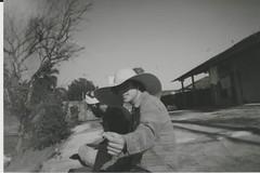 004.jpg (Tai Moura) Tags: film filme konica vx400 preto branco black white expired vencido olympustrip100r lomo lomography lomografia