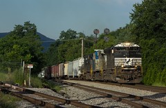 M6T - Troutville (Eric_Freas) Tags: norfolk southern ns shenandoah valley m6t 16t western color position light cpl nw troutville virginia