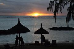 Sega music (Jam Faz) Tags: mauritius sega music bj sunset te dj assad alain ramanisum willy william li tourner musica por do sol dançar alegria joy traditional mascarenes mascareignes îles