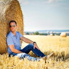 2018 Strohballenshooting (jeho75) Tags: sony ilce 7m2 90 g deutschlandgermany portrait selbstportrait strohballen ernte sommer summer straw harzvorland