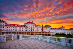 Mount Washington Hotel (Robert Clifford) Tags: brettonwoods hotel mtwashingtonhotel mtwashington nh newengland newhampshire omnimtwashingtonhotel robcliffordphotography whitemountains bulding country landscape mountains robertcliffordcom summer sunset tourism travel u