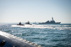 USS Carney and Bulgarian Navy conducts an exercise in the Black Sea. (Official U.S. Navy Imagery) Tags: usnavy viceadmlisafranchetti varna mc2jonathannelson usscarney us6thfleet bulgaria blacksea readyforces
