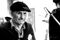 Autrefois le Couserans (Ariège) (PierreG_09) Tags: ariège pyrénées pirineos couserans fête manifestation tradition saintgirons berger autrefoislecouserans portrait bw nb noiretblanc homme béret