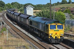 Scunny Coal Out (JohnGreyTurner) Tags: br rail uk railway train transport diesel engine locomotive barnetby lincs lincolnshire station fl freightliner freight coal hoppers 66 class66 shed
