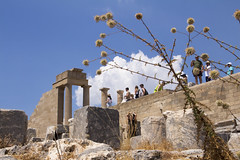 Lindos Akropolis Plants and tourists (ir0ny) Tags: rhodes greece lindos acropolis akropolis lindosacropolis lindosakropolis greek ancient ancientgreek temple greektemple ruins ancientruins lindian