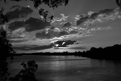 Last rays (Dreaming of the Sea) Tags: 7dayswithflickr 7dwf burnettriver bundaberg queensland australia sunset clouds reflections dusk twilight trees tamronsp2470mmf28divcusd nikond7200 water landscape