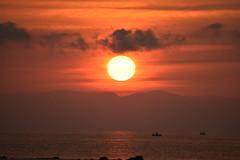 Sunrise and the fishermen (saromon1989) Tags: fishermen sunrise sun orange sea white