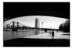 Unter den Brücken (HP-Fotografie) Tags: frankfurt am main nikond3s mainufer nikkoraf50mm18d