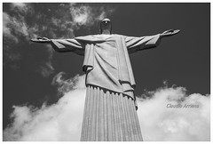 Cristo Redentor (Claudio Arriens) Tags: cristo cristoredentor rio riodejaneiro brasil pb bw artdeco canoneos40d
