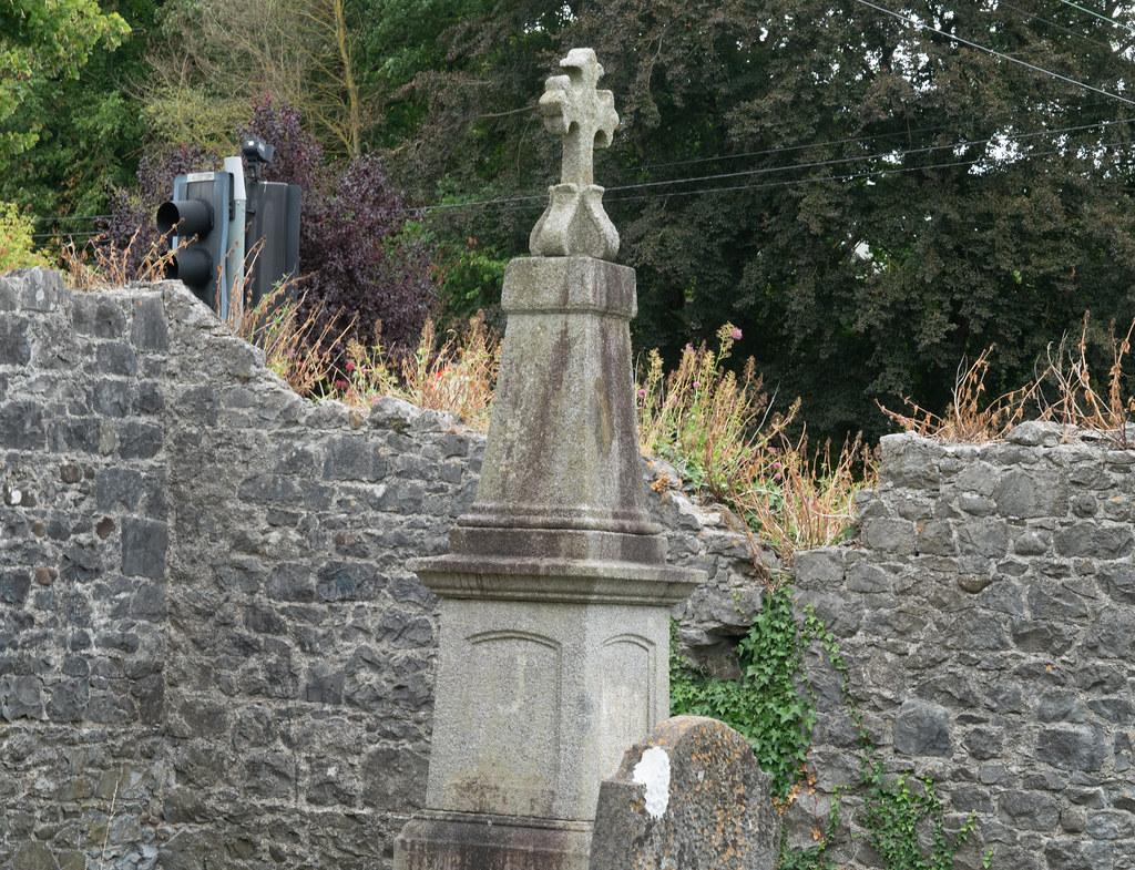 OLD CHURCHYARD KNOWN AS ST. JOHN'S [DUBLIN ROAD KILKENNY]-142928