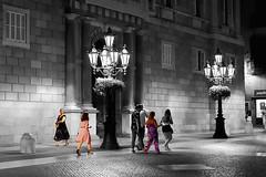 Plaça de Sant Jaume - At night (Fnikos) Tags: street plaça plaza road wall building architecture column light farol door window people walk blackandwhite nightview nightshot outdoor