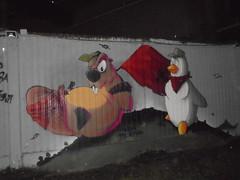 omega x resistenza (en-ri) Tags: faido castoro penguin pinguino bandiera rossa red flag torino wall muro graffiti writing grigio