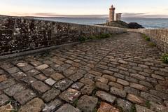 La suite (2) de mes aventures au phare du Petit Minou (stephanegachet) Tags: france bretagne breizh bzh finistère finistere minou phare lighthouse stephanegachet gachet sea seascape landscape paysage