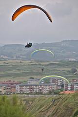 Triple Crown (R.D. Gallardo) Tags: triple crown corona glide paraglide parapente sopelana raw canon eos 6d tamron 70200 f28