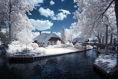 Venice of the north (O l l i . B .) Tags: giethoorn netherlands nederland nl holland ollib oliverbuchmann canonefs18135mmf3556isusm canoneos400d water wasser blue blau white weis tree baum house bridge summer infrared infrarot
