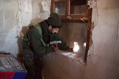 IMG_7503.jpg (Reportages ici et ailleurs) Tags: kurdistanirakien urbanwar kurdes sinjar pkk yezidis peshmerga battle city yekineyenberxwedanshengale ybs guerre shengal ezidis guerreurbaine yannrenoult fight bataille war isis hpg ypg yjastar etatislamique montagne guerilla kurd ville yekineyenparastinagel mountain