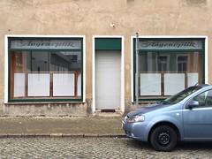 Augenoptik (Monsieur Adrien) Tags: laden ladenschild wurzen sachsen augenoptik schaufenster shopwindow storefront storesign retrosign typo typografie typography ddr