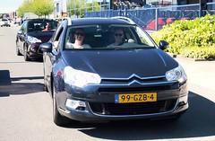 Citroën C5 Tourer 2.0i 16V Comfort (Skylark92) Tags: nederland netherlands holland gelderland culemborg franse auto dag fad 2018 french car day road building sky tree truck people citroën c5 tourer 20i 16v comfort 99gzb4 2008