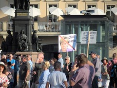 * (Reginald_9) Tags: august 2017 germany dresden pegida