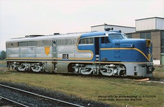 (SEE & HEAR)---DH 18, Colonie Shops, NY. 9-12-1976 (jackdk) Tags: train railroad railway locomotive locomotiveroster alco alcopa alcopa4 dh delawareandhudson santafe atsf seeandhear seehear