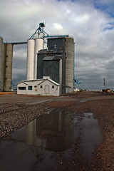 Hemingford, Nebraska Grain Elevators. (Wheatking2011) Tags: alliance hemingford nebraska grain elevators two concrete elevator one old wood