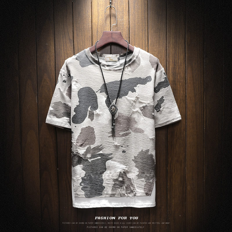 Men's T-shirts, short sleeves, fashion, summer 2018 new models, camouflage, round neck, broken holes, Korean version, body jacket, jacket.