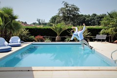 Fall'In The Pool (nicolasbellon) Tags: chute swimmingpool piscine