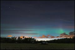 Last night (Jonas Thomén) Tags: auroraborealis aurora norrsken northernlights revontulet foxfire natt night clouds moln stars stjärnor field åker lador barns