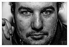 el hipnotizador // no le mires a los ojos (Luis kBAU) Tags: mirada ojos hipnosis