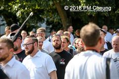 Rudolf-Heß-Gedenkmarsch 2018: Mord verjährt nicht! Gebt die Akten frei! Recht statt Rache  und Gegenprotest: Keine Verehrung von Nazi-Verbrechern! NS-Verherrlichung stoppen! – 18.08.2018 – Berlin –IMG_6122 (PM Cheung) Tags: rudolfhessmarsch wwwpmcheungcom berlin mordverjährtnichtgebtdieaktenfreirechtstattrache neonazis demonstration berlinspandau spandau friedrichshain hesmarsch rudolfhes 2018 antinaziproteste naziaufmarsch gegendemonstration 18082018 blockade npd lichtenberg polizei platzdervereintennationen polizeieinsatz pomengcheung antifabündnis rechtsextremisten protest auseinandersetzungen blockaden pmcheung mengcheungpo pmcheungphotography linksradikale aufmarsch rassismus facebookcompmcheungphotography keineverehrungvonnaziverbrechernnsverherrlichungstoppen antifaschisten mordverjährtnicht rudolfhesmarsch sitzblockaden kriegsverbrechergefängnisspandau nsdap nskriegsverbrecher geschichtsrevisionismus nsverherrlichungstoppen hitlerstellvertreterrudolfhes 17august1987 rathausspandau ichbereuenichts b1808 festderdemokratie verantwortungfürdievergangenheitübernehmen–fürgegenwartundzukunft rudolfhessmarsch2018 rudolfhesgedenkmarsch rudolfhesgedenkmarsch2018
