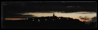 Crépuscule sur Puycelsi
