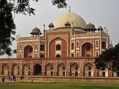 humayuns tomb (gerben more) Tags: newdelhi tomb tombe building architecture arch dome india delhi