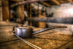 Gut geölt.... (Blacklight Fotografie) Tags: ölkanne öl oilcan oil mühle mill 1903 abandoned decay forgotten verlassen verfallen vergessen urbex hdr lost lostplace