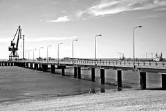 Luz, mar, verano. (Aprehendiz-Ana Lía) Tags: flick imagen mare water patagonia río negro ríonegro argentina verano luz nikon analialarroude líneas lasgrutas