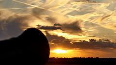 Der Schuss (Don Bello Photography) Tags: sommer 2018 holland sloten kanone sonnenuntergang abendstimmung abendhimmel abendsonne acdsee wolken himmel himmelsbilder himmelsfeuer sky clouds panasonicfz1000 lumixfz1000 reinhardbellmann donbellophotography niederlande netherlands