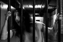 I'm not no animal in the zoo, this animal will jump up and eat you #13 (Josu Sein) Tags: trapped atrapado prisoner prisionero selfportrait autorretrato selfnude autodesnudo monochrome monocromo highcontrast altocontraste mystery misterio shadows sombras cinematic cinemático dark oscuro expressionism expresionismo surrealism surrealismo josusein